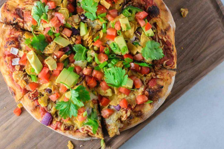 Vegan Mexican pizza | thecuriouschickpea.com #vegan #mexican #veganmexican