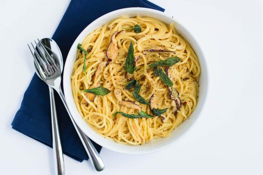 vegan spaghetti ai funghi with crispy sage (spaghetti and mushrooms in vegan cream sauce)