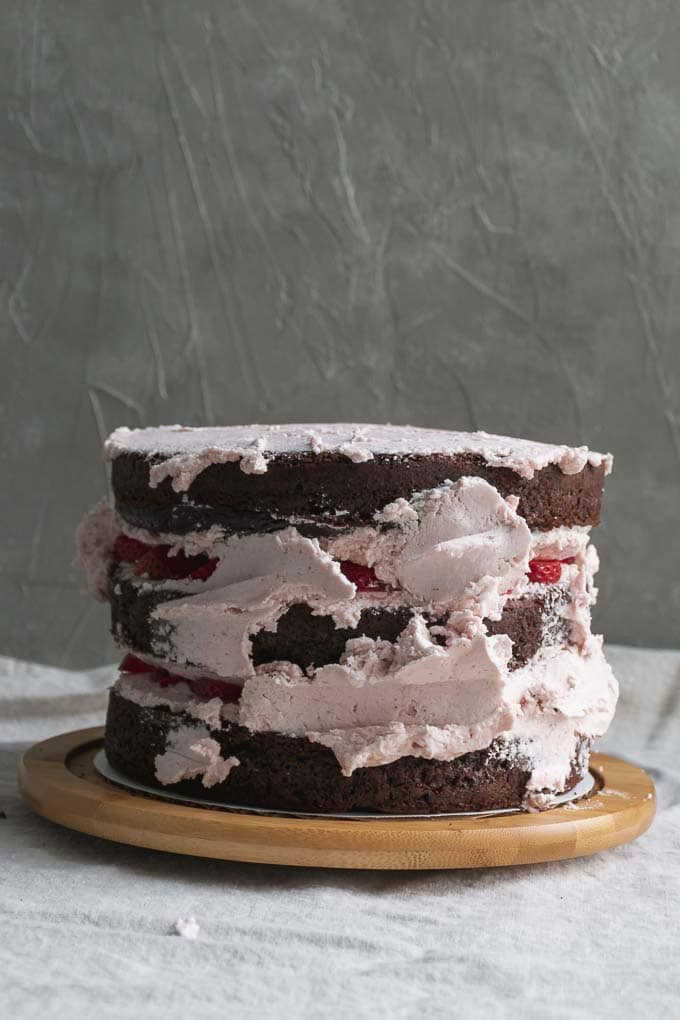 Vegan aquafaba strawberry Italian meringue buttercream - frosting the cake - 10