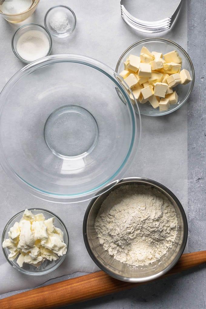 Ingredients for easy vegan pie dough in a mis en place