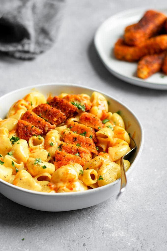 vegan buffalo tofu wing mac and cheese