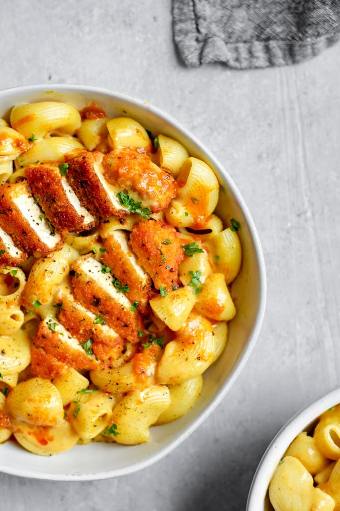 Vegan buffalo wing mac and cheese