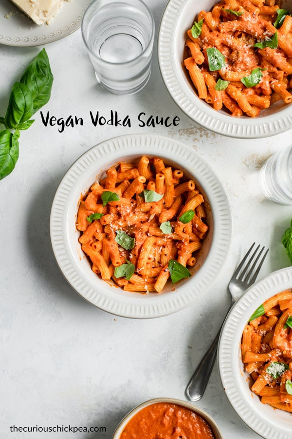 This delicious vegan vodka sauce is rich, creamy, and full of flavor. It's pantry friendly thanks to canned tomatoes, and great for tossing with pasta or topping pizzas! #vegan #pasta #pastasauce #vodkasauce #glutenfree #glutenfreevegan