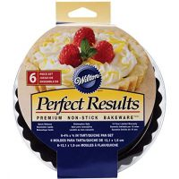 Wilton Perfect Results Premium Non-Stick Bakeware Round Tart and Quiche Pans, Sunday Brunch May Never be the Same Again, Fluted Edges Add a Touch of Flair, 4.75 Inch, Set of 6
