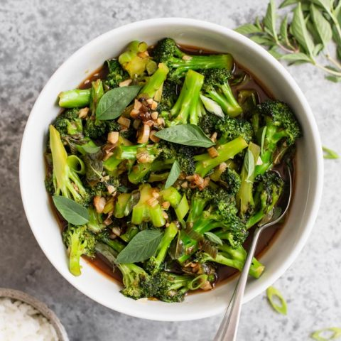 Broccoli in Garlic Sauce