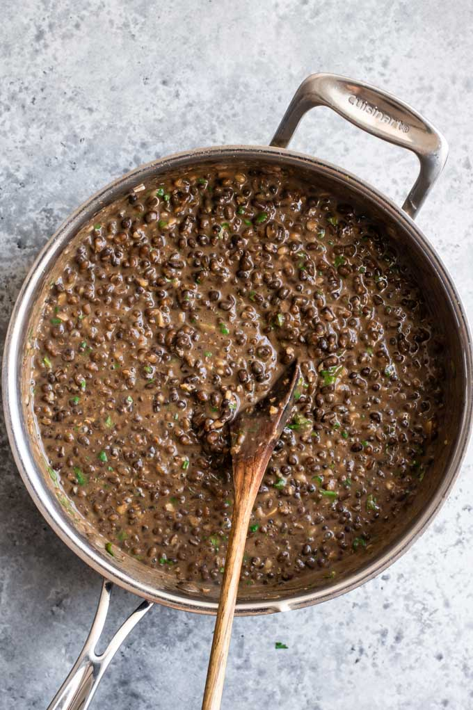 garlic urad dal fry in the pot