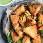 cocktail chana samosa with chutney