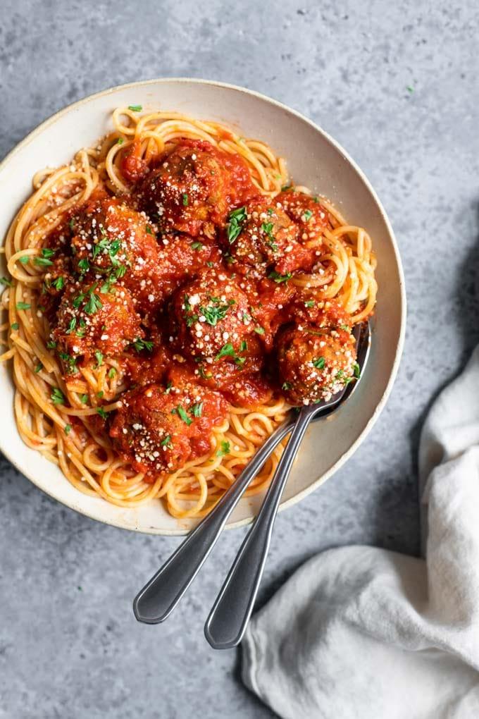 spaghetti and chickpea meatballs