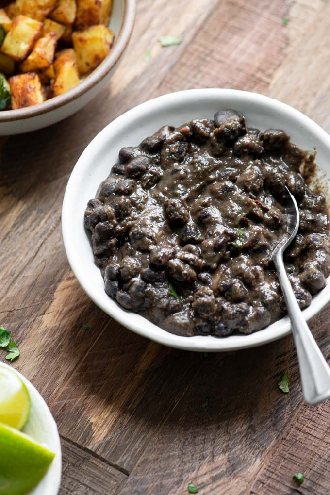 seasoned black beans in bowl